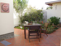 Meikes_Guesthouse_Courtyard